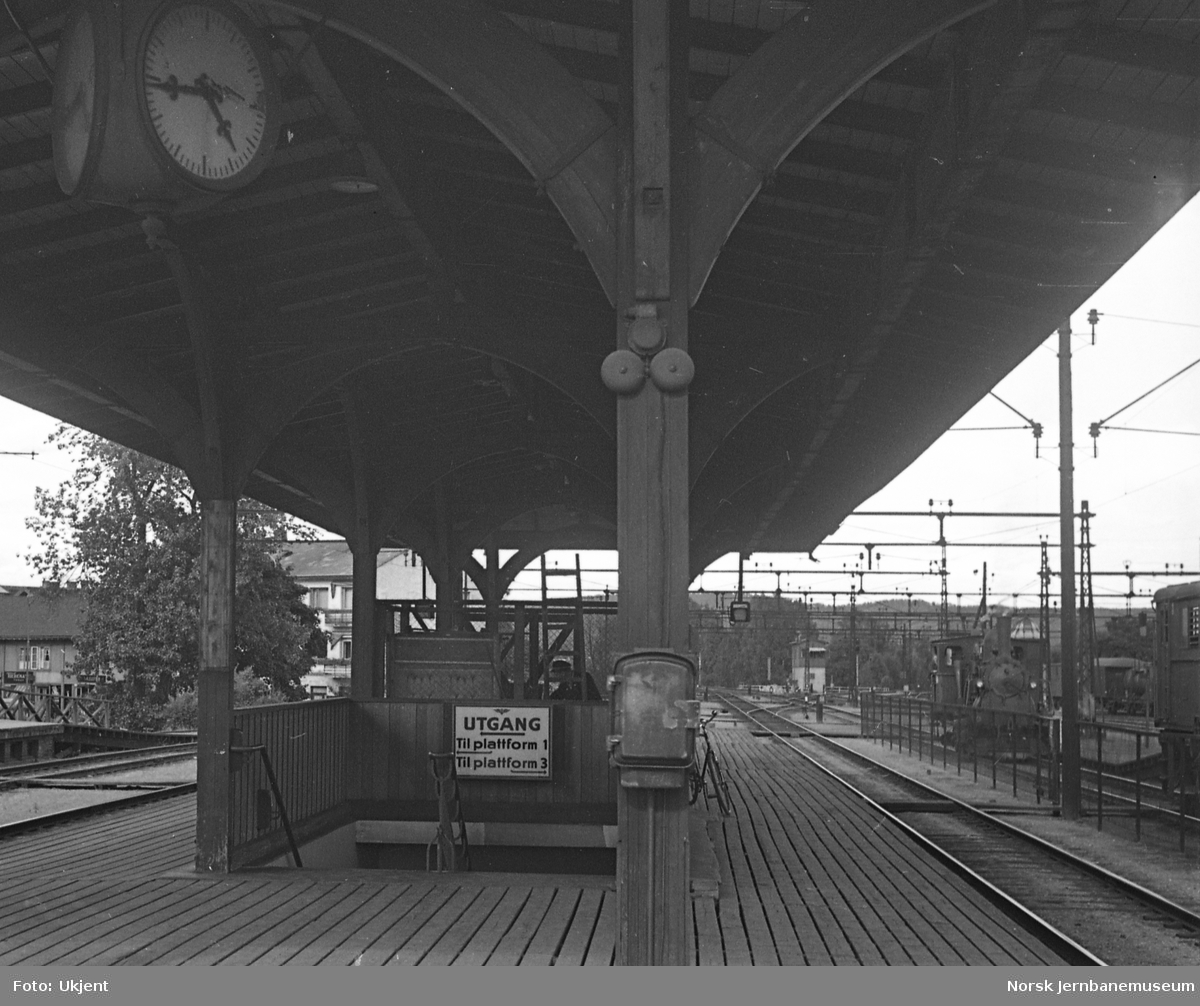 Lillestrøm stasjon, plattformskilting
