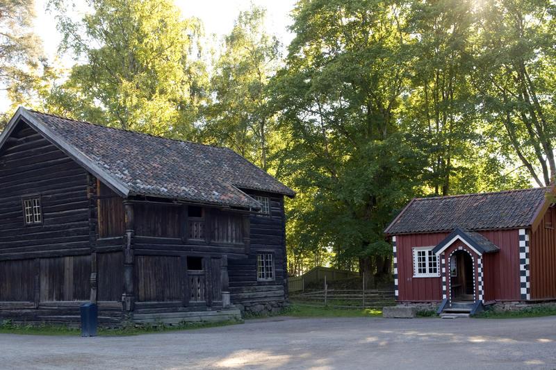 Ylistua og Cappelenstua i Telemarkstunet (Foto/Photo)