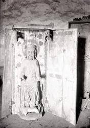 Altarskåp med S:t Olofsfigur i Misterhults kyrka.