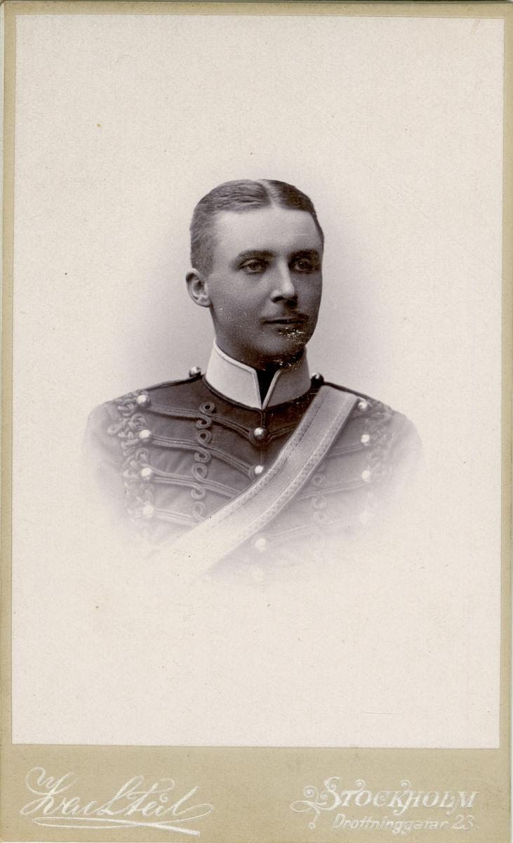 Porträtt av Olof Waldemar Smedberg, officer vid Wendes artilleriregemente A 3.