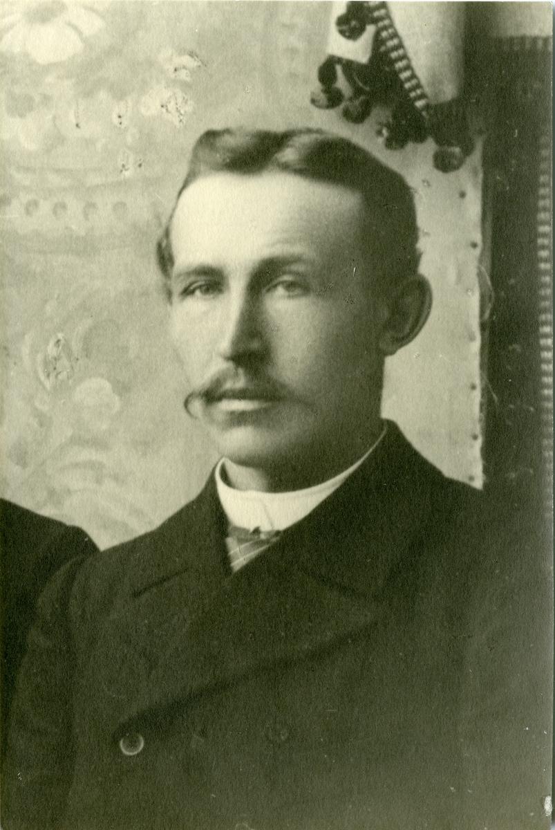 Portrett av Martin Islandsmoen.