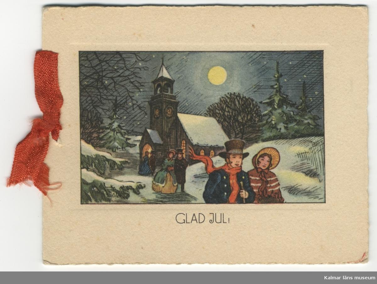 Bred vit ram runt rektangulär, liggande, bild. Kyrka i snö, fullmåne. 1800-talspar som går därifrån. Under bilden står Glad Jul med svarta bokstäver. På insidan står en vers: God Jul! Det är jul! Det är jul! Det är glädje och glans. Det är glittrande rimfrost och snö. Det är julfröjd i virvlande flingornas dans. Och på isbelagd glimmande sjö.