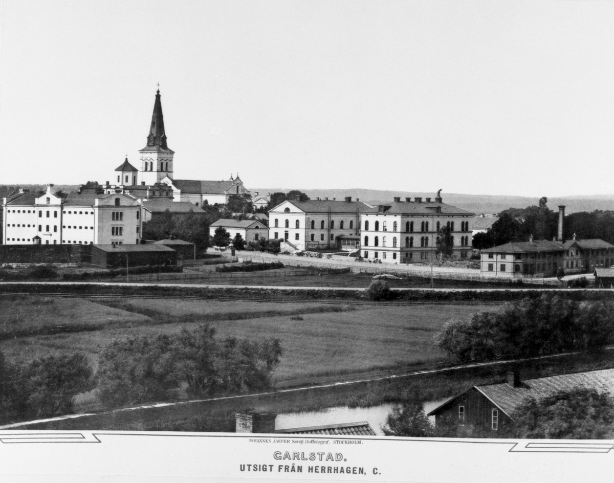 Bilderna kommer från ett planschverk över Karlstad utgivet av Johannes Jaeger 1884. Museets exemplar är en hyllningspresent till avgående landshövdingen Henrik Gyllenram som tillträdde 1873 och avgick den 1 maj 1885.