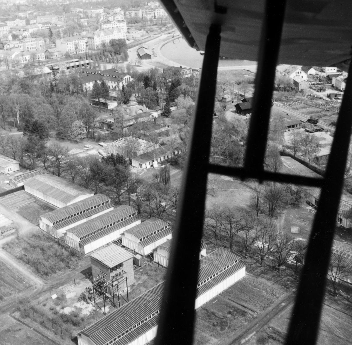 Flygvy våren 1947 som visar det blivande utställningsområdet i Stadsträdgården.
