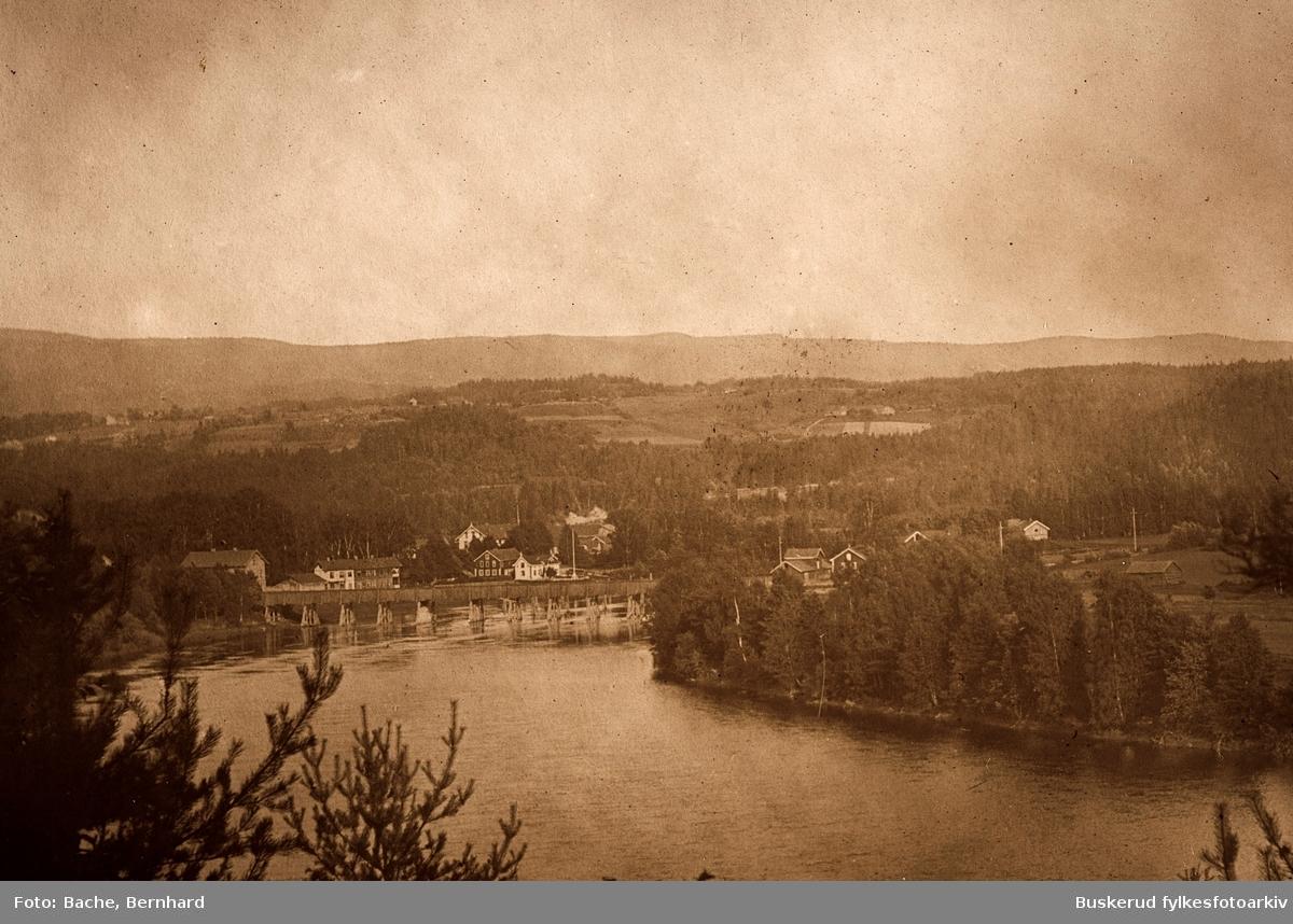 Kvernbergsundbru Området ved Storelva i Hønefoss. Den eldste brua, bygget i 1861