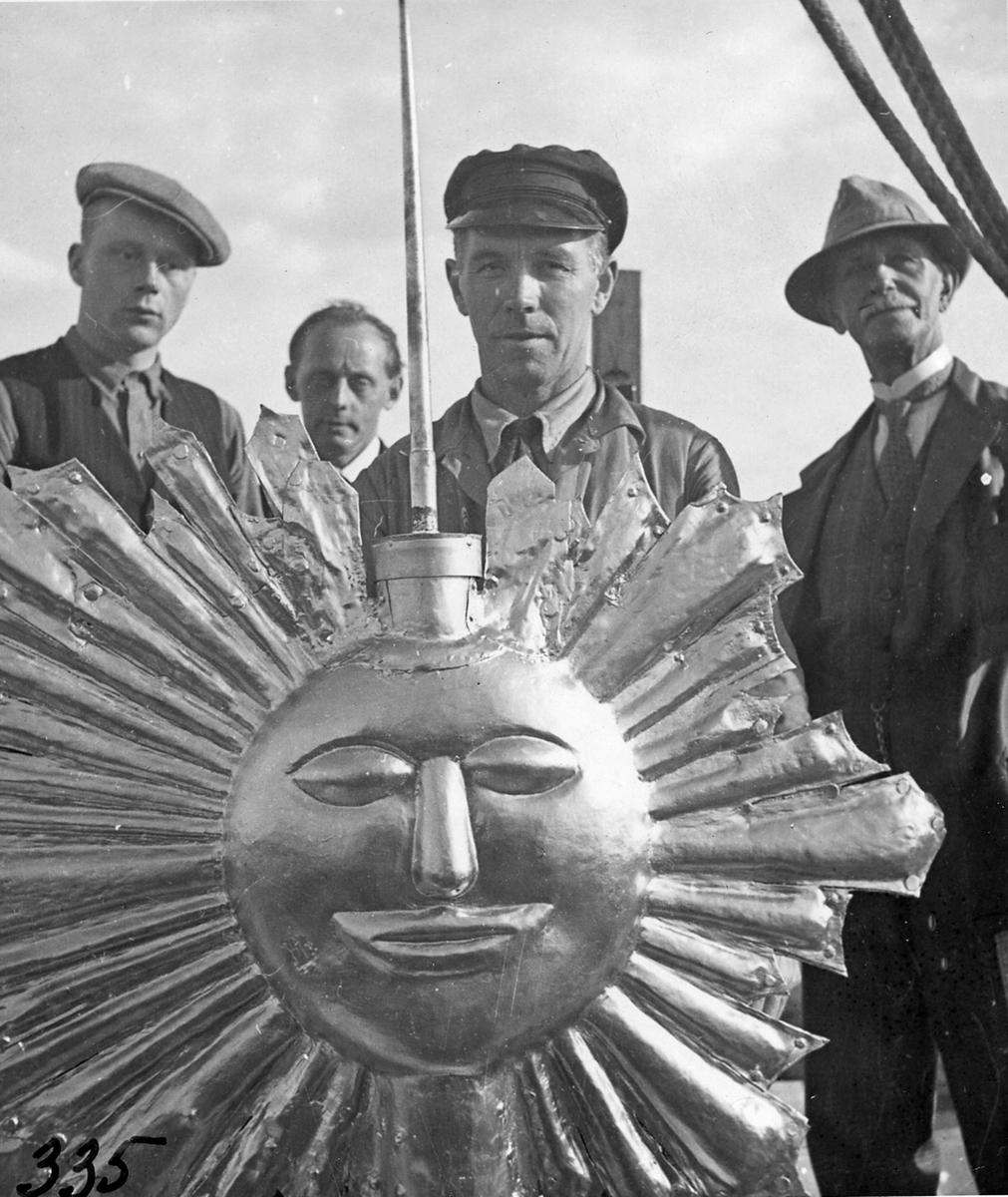 Reparationen av kyrktornet 1935. Från vänster Rosén, Birath & L. Lundqvist.