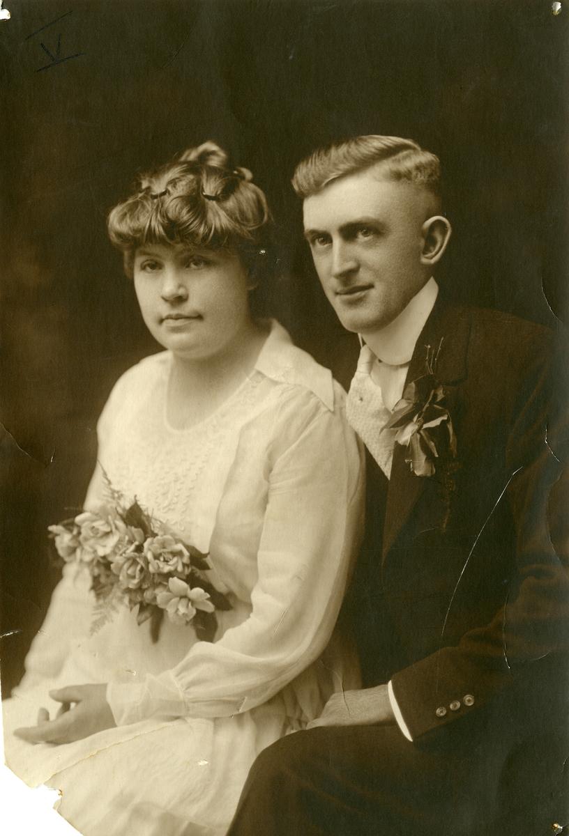 Brudebilde av mr. Reese og kona Mable (datter av Per Islandsmoen)