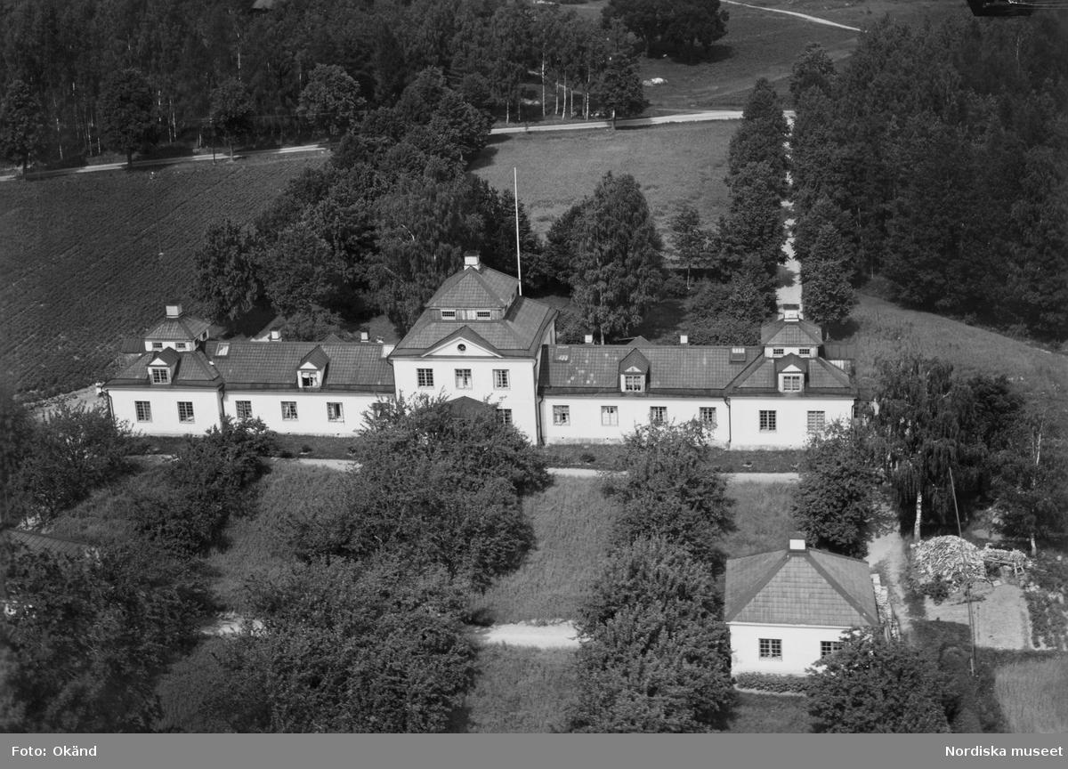Flygfoto över ålderdomshemmet vid Nybble, Julita gård.