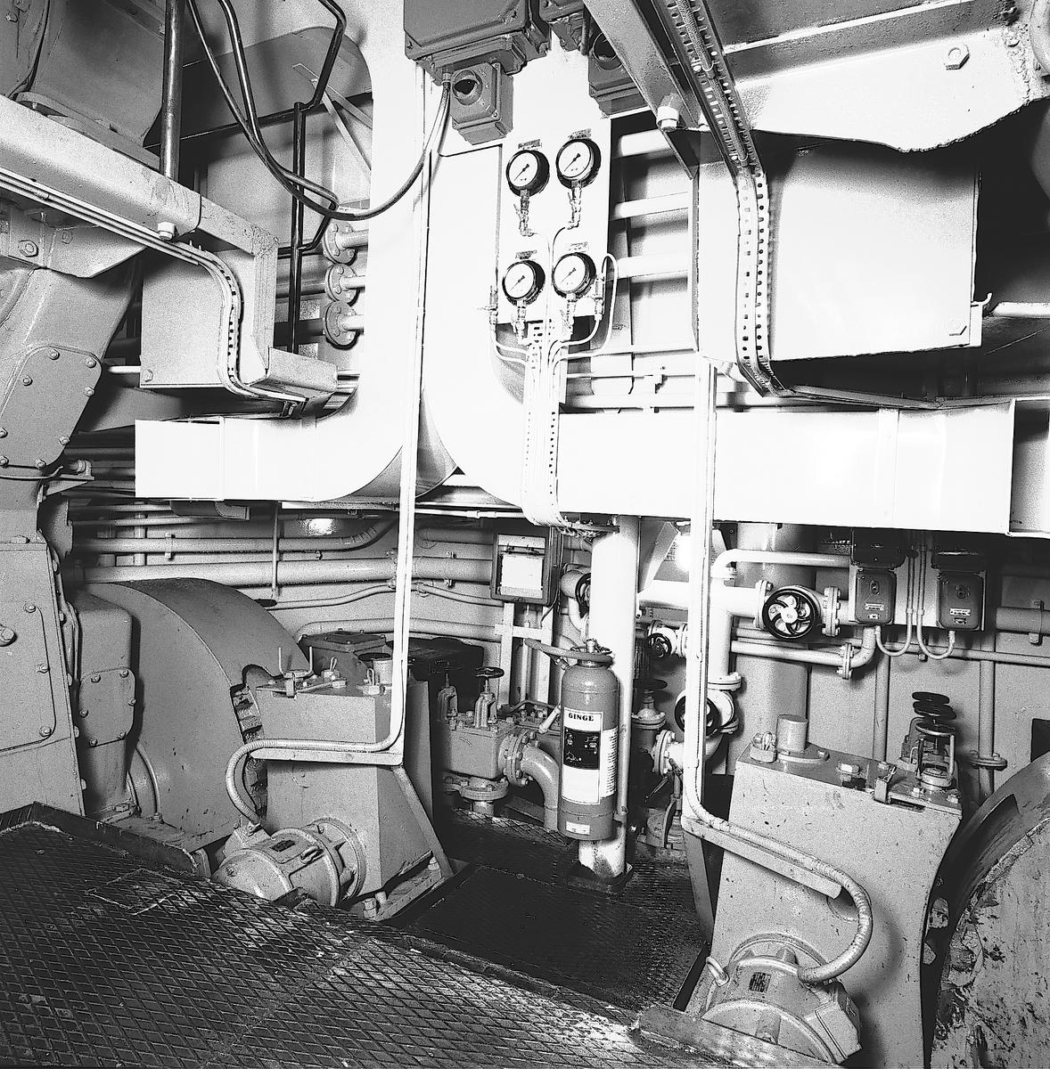 Den 27 november 1959. Gävle Varv. Båt från Ryssland.