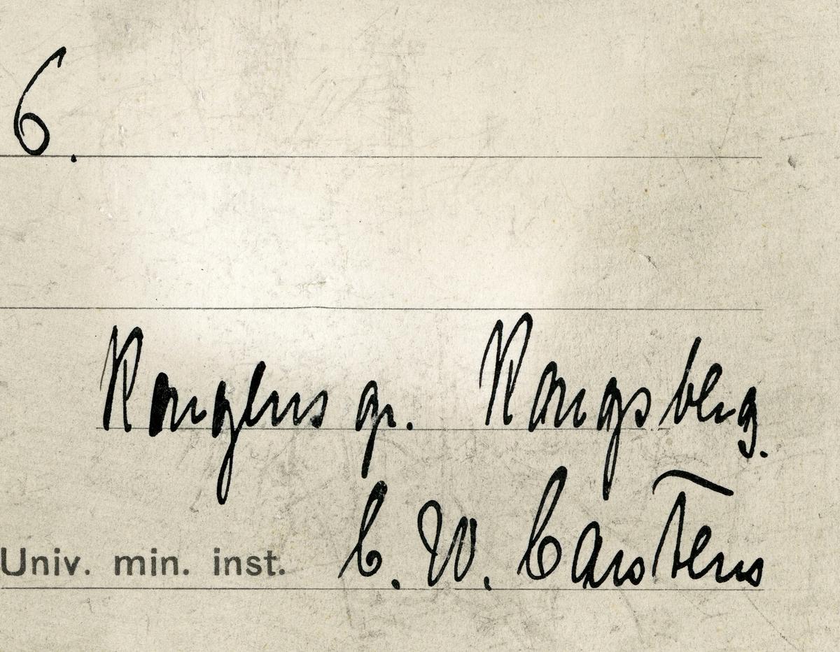 Etikett i eske: 16.  Kongens gr. Kongsberg C.W. Carstens