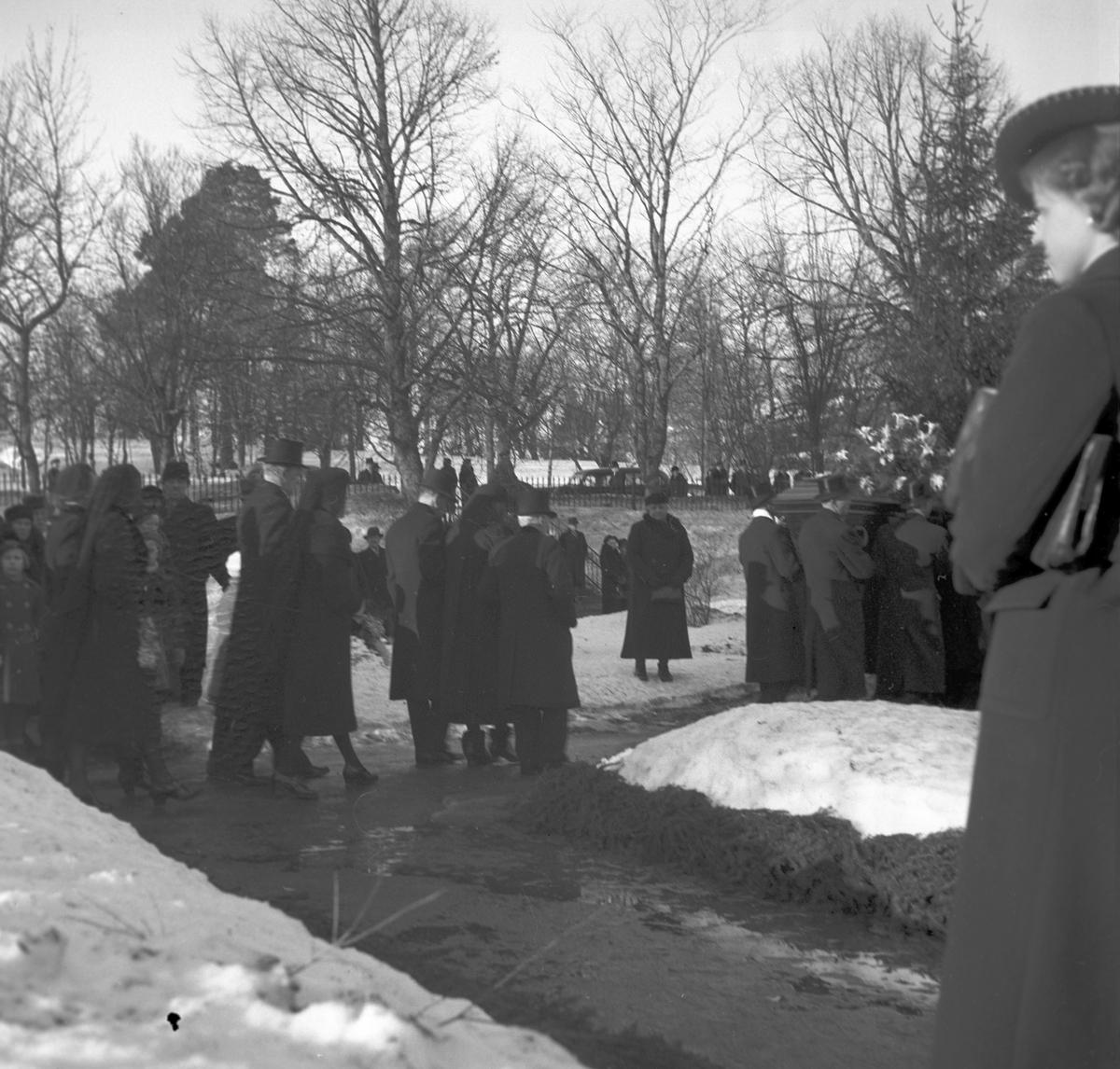 Häradsdomare  Ålenius begravning i Valbo kyrka.