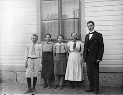 Elever och lärare vid Isby skola, Simtuna socken, Uppland 19