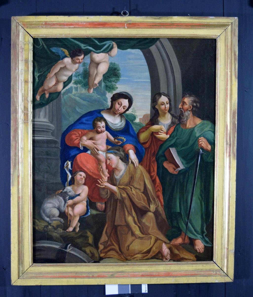 Schenen tar plass under en bueåpning ut mot et landskap. To små amoriner løfter et teppe til side. jomfru Maria sitter i blå kappe med jesusbarnet på fanget. Jesusbarnet holder en liten krone over hodet til en knelende kvinne kledd i grønt (Katharina av Alexandria). Kvinnen skal til å kysse Jesus' fot. Like inntil sitter johannes med lam og kors. til høyre sees stående en kvinne i rødt og en evangelist (?) med bok og sverd.