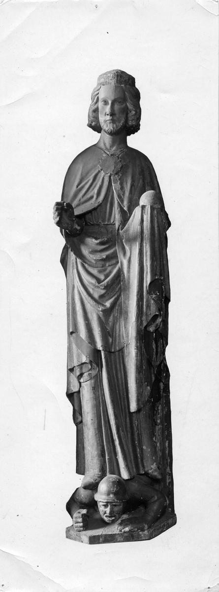 Staty från Frötuna kyrka (Uppland)