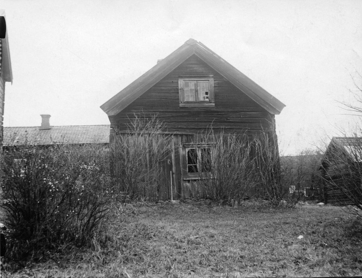 Parstugor i Västra Sörby, Munktorp. Gammelgården på ursprungsplats.