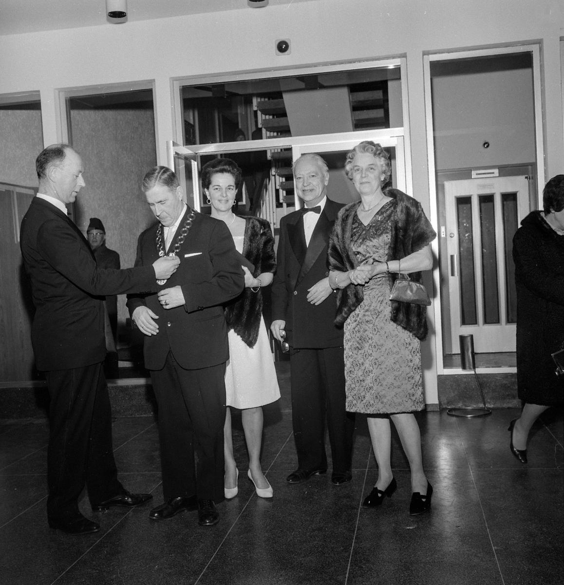 Sagatun kino, Hamar. Åpningsdagen 05.01.1968. Inviterte gjester,   rådmann Tore Sanderud, ordfører Kristian Gundersen,ukjent, Borger Lenth, Eva Kløvstad, f. Jørgensen,