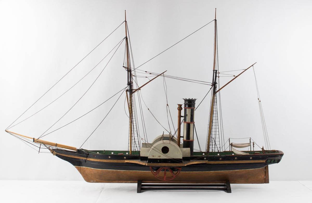 Helmodell av hjuldampskip CONSTITUTIONEN