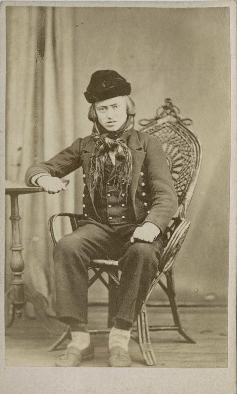 Halvar Olsen Bækgarden i Lyngdal, Numedal, arrestert i 1871, innsatt i distriktsfengslet i Hokksund for ulovlig brennevinssalg