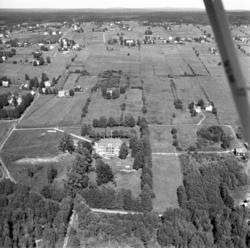 Flygfoton över Söråker med Sörviks herrgård i fokus.