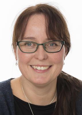 Portrett av Mette Berg, leder for butikk, resepsjon og booking.