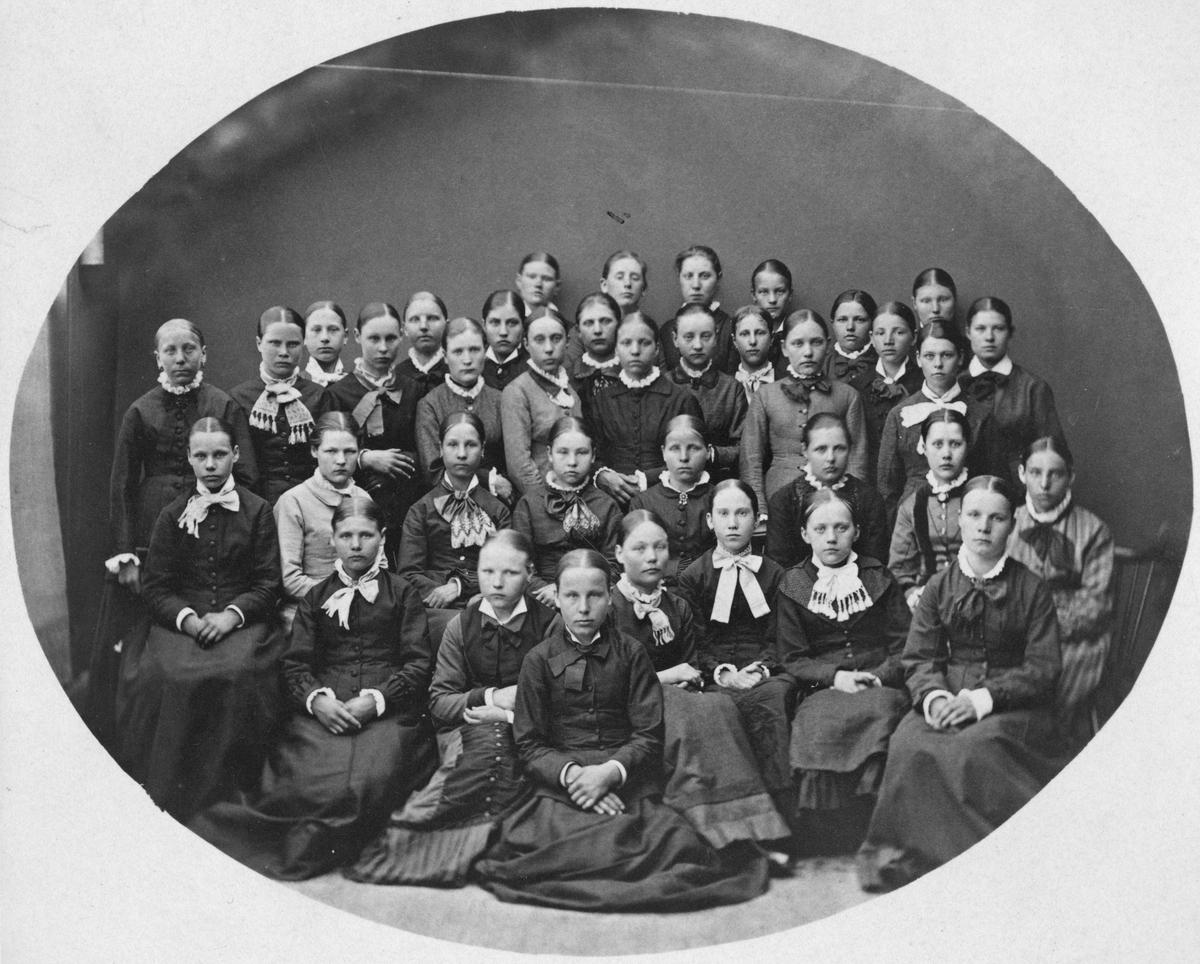 Konfirmander 1881,med bl.a. Maria Arhusiander.