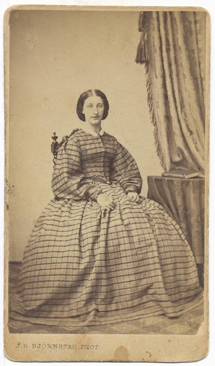 Maren Syverstad, portrett