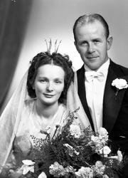 Brudparet John Lövgren, Södra Fiskargatan 20, Gävle. 27 okto