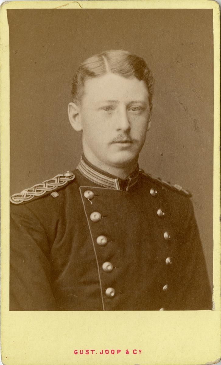 Porträtt av Johan Gustaf Fabian Wrangel, överstelöjtnant vid Hälsinge regemente I 14. Se även AMA.0009232, AMA.0009198, AMA.0009215 och AMA.0009233.