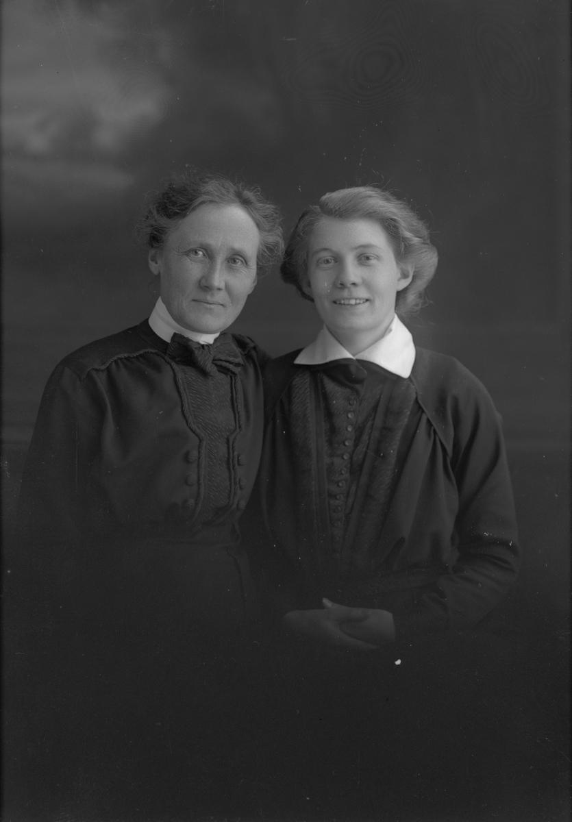 Till vänster Elisabeth Söderhäll, Norra Hospitalsgatan 11, Gävle