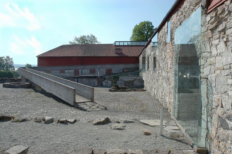 Storhamarlåven - Sverre Fehns hovedverk. (Foto/Photo)