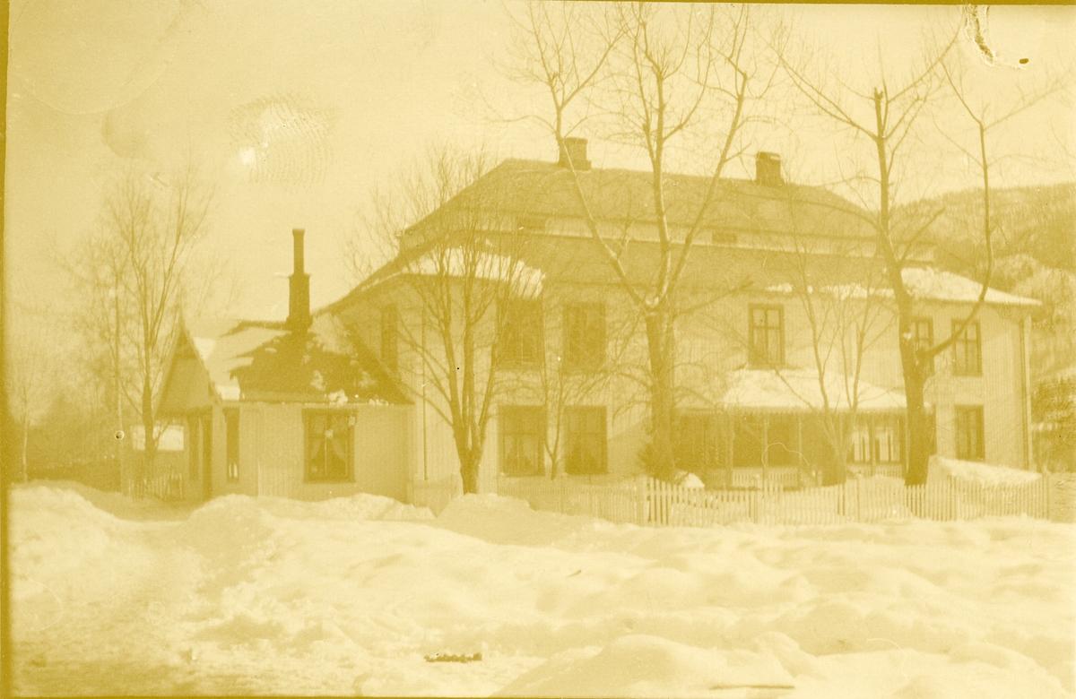Hovedbygningen på Søre Haugsrud, Begnadalen, Sør-Aurdal.