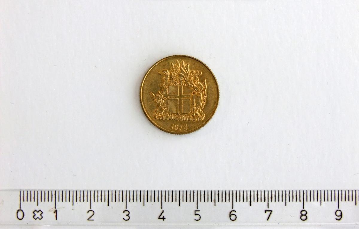 1 Króna,  ISLAND,  1973,  Nikkel-Messing.  Form:  Sirkulær