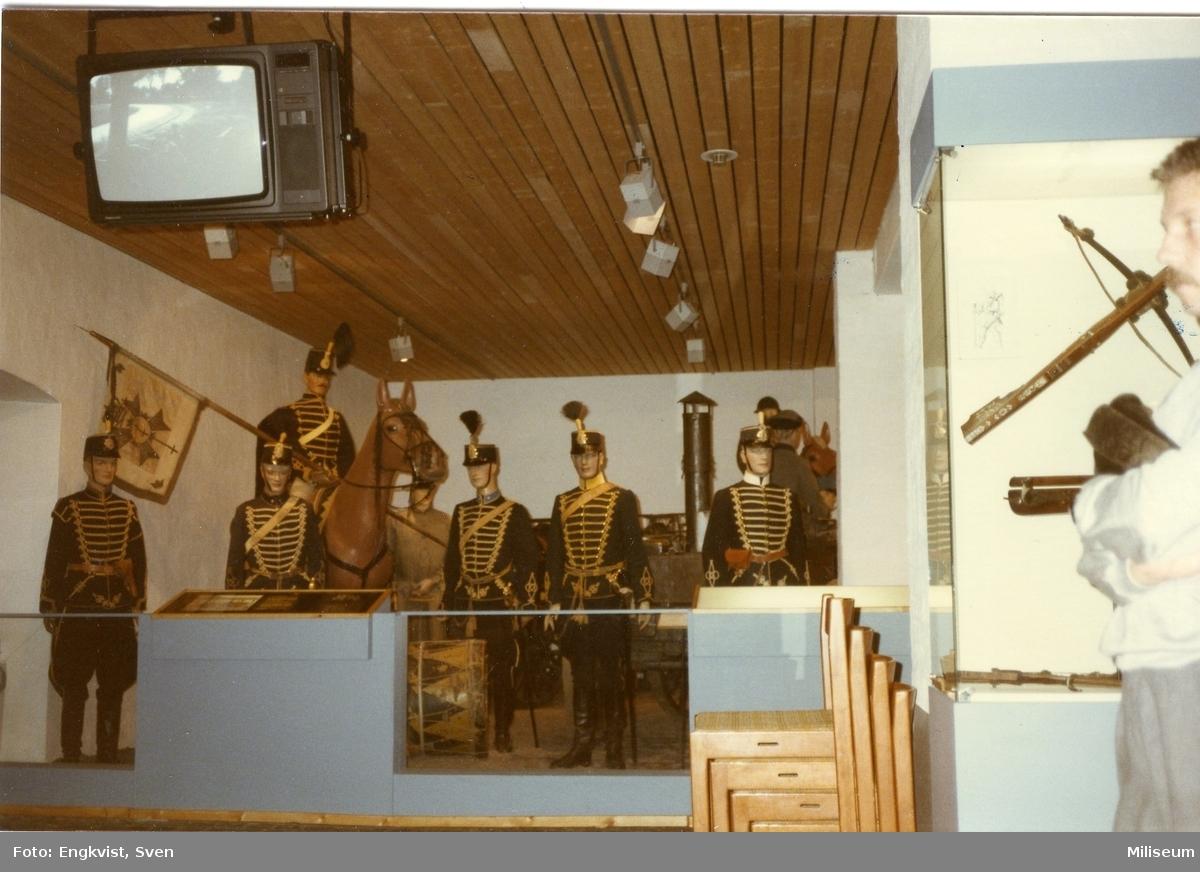 Museum, Malmö. Husarer i uniform m/1895