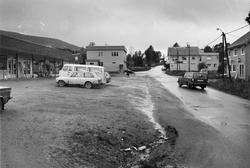 Biler og bebyggelse i Hamnvik.