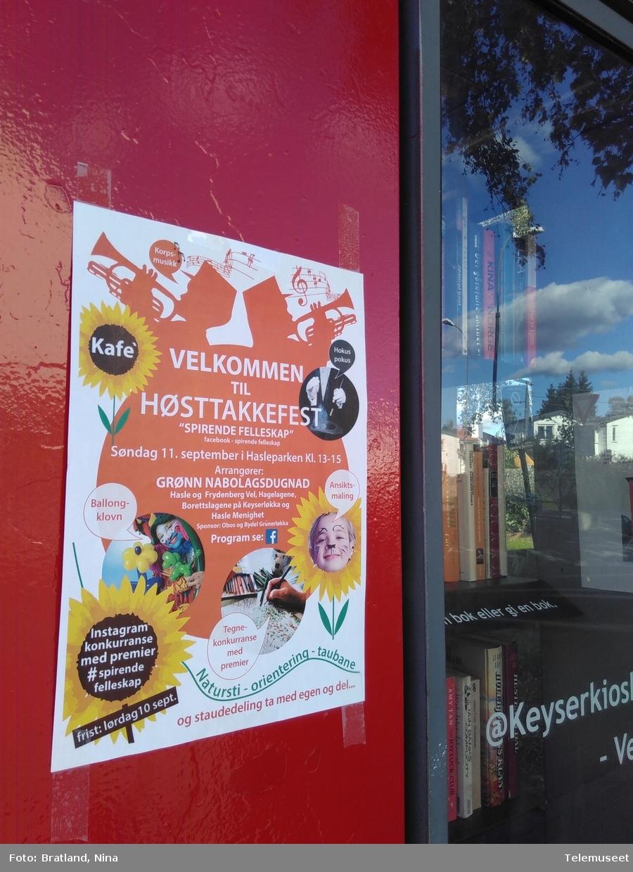 Keyserkiosk Einars vei Oslo Telefonkiosk med bøker, oppslag, lokalt og sosialt