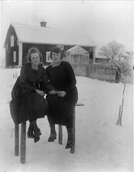"""""""Klara och Henny sitter på Postbordet"""", Sävasta, Altuna sock"""