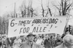 1. mai 1981 i Oslo.Samorg-toget.Parole:6-timers arbeidsdag f