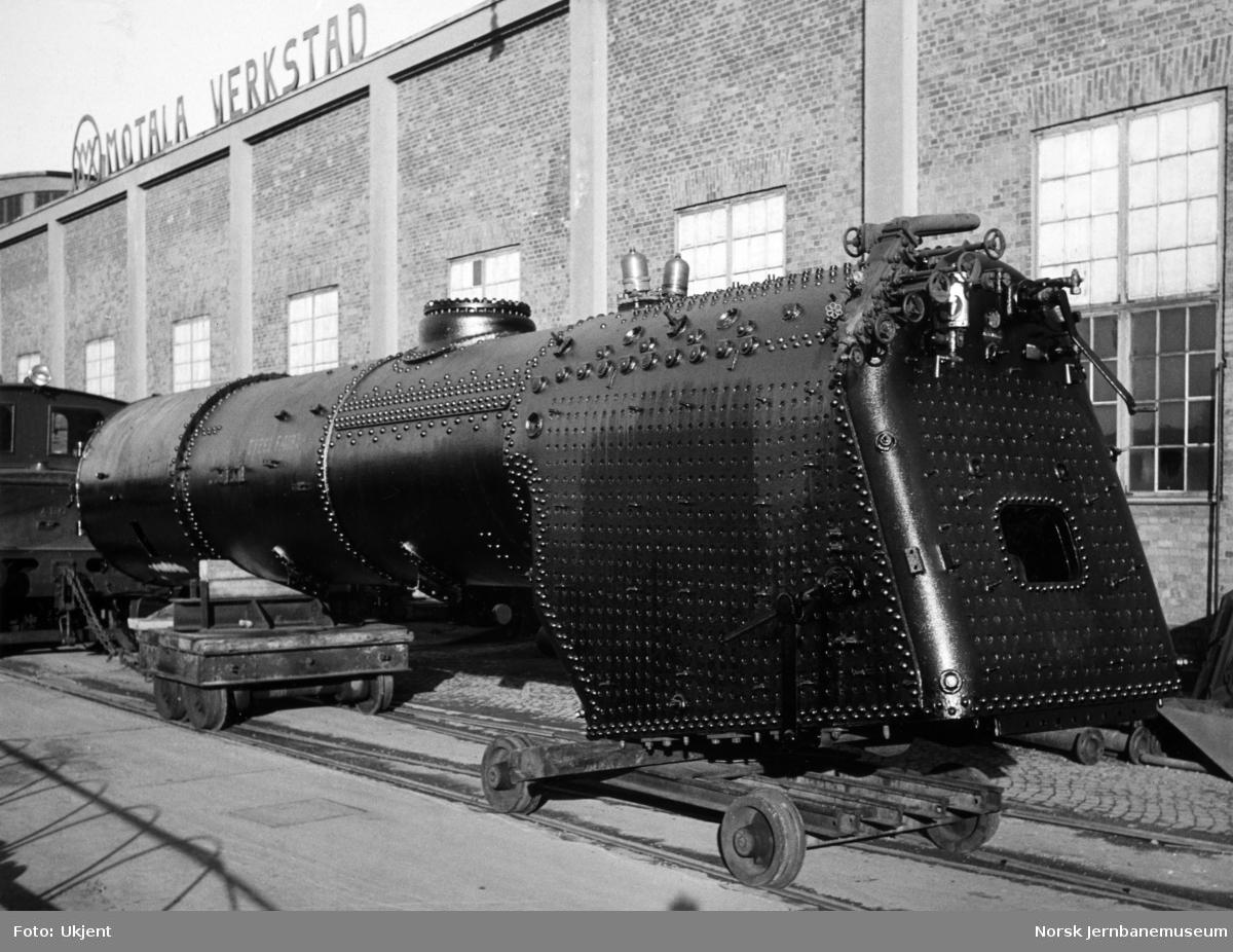 Kjel med fyrkasse til damplokomotiv type 63a nr. 660 - som var til hovedrevisjon på Motala Verkstad