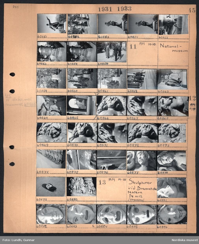 Motiv: Carl XII, En skulptur, människor vid en kamera på stativ i en park.  Motiv: Nationalmuseum; En skulptur, tre män går nedför en trappa, en plånbok med mynt.   Motiv: Skulpturer vid Dramatiska teatern, Nationalmuseum, /försatsling/ ; En skulptur.