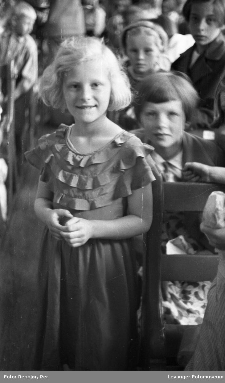 Jente fra Levangerdagene i 1936.