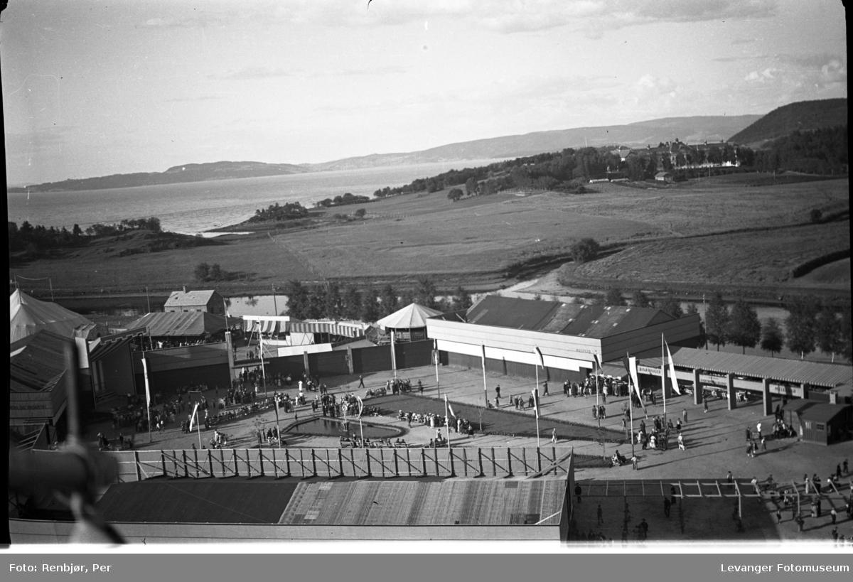 Fra jubileumsutstillingen i 1936 tatt fra pipa på Verdalsbruket  mot Røstad.