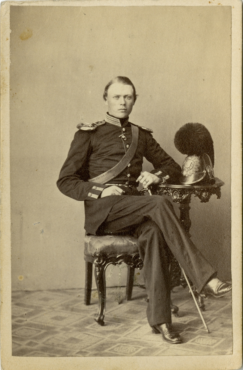 Porträtt av Ludvig Roland Nyström, kapten vid Svea artilleriregemente A 1.