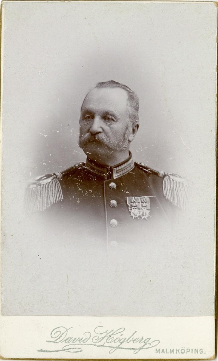 Porträtt av Gustaf Fredrik Lothigius, major vid Södermanlands regemente I 10.  Se även bild AMA.0008000, AMA.0007940, AMA.0007995 och AMA.0021806.