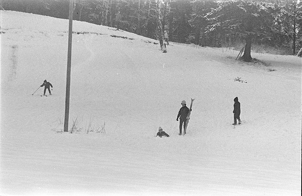 Greveløkka, Hamar, vinter, barn, ski, lek.