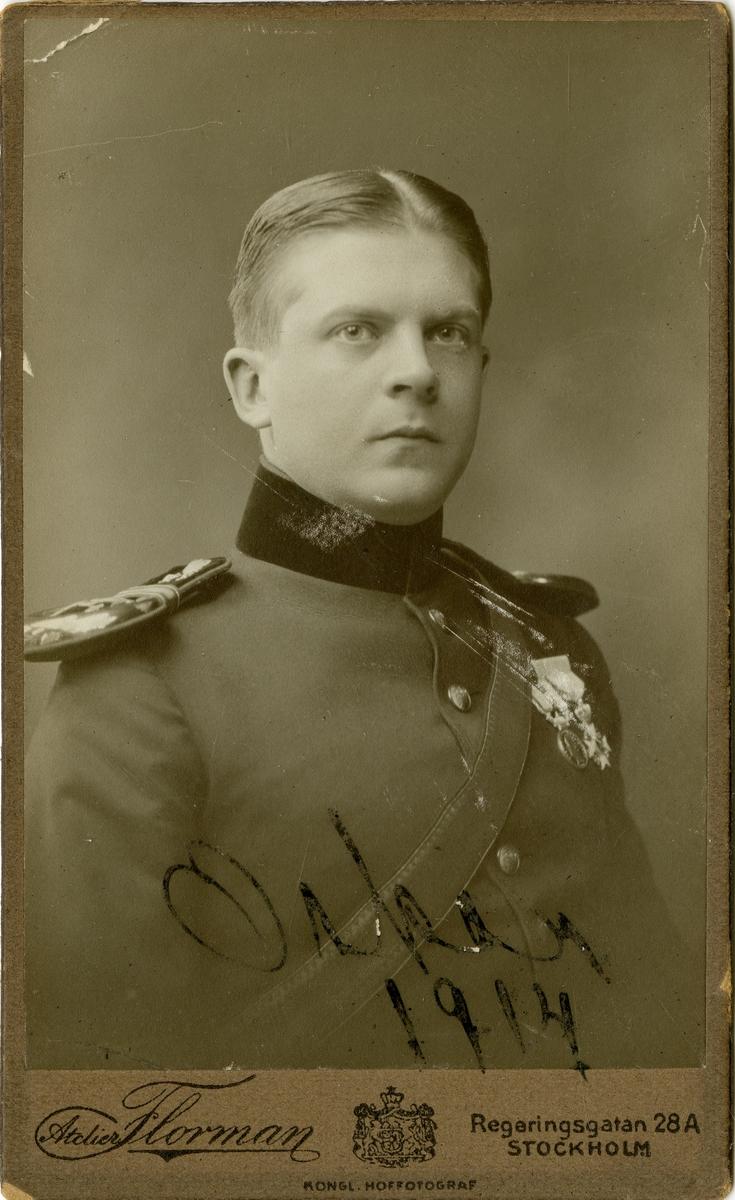 Porträtt av okänd officer vid Intendenturkåren.