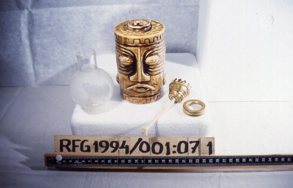 (indiansk ?) ansikt og ornament