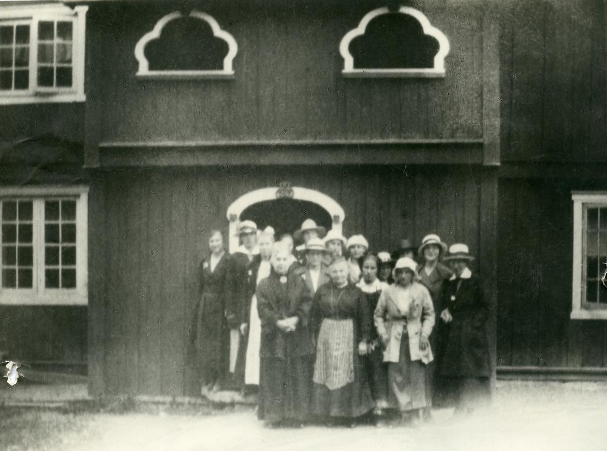 Ei jenteklasse ved Vestoppland Folkehøgskule, 1919.