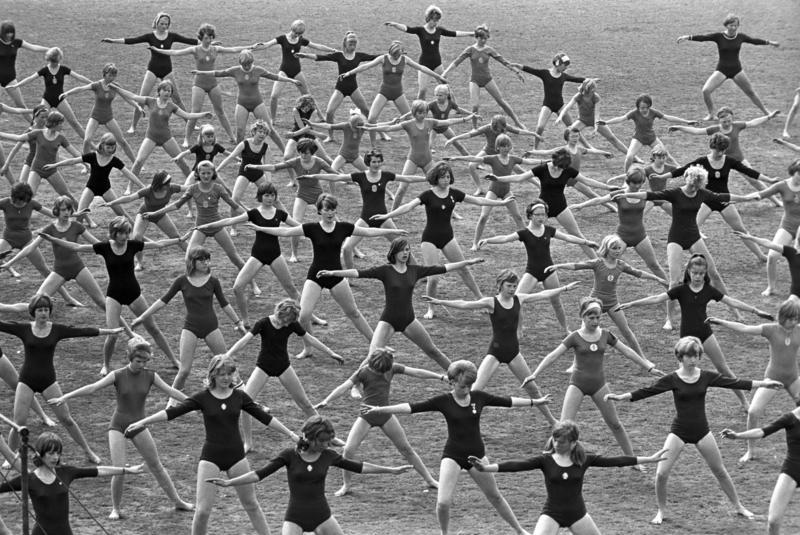 Turnstevne for barn og ungdom på Bislett stadion. Fotografert mai 1968.