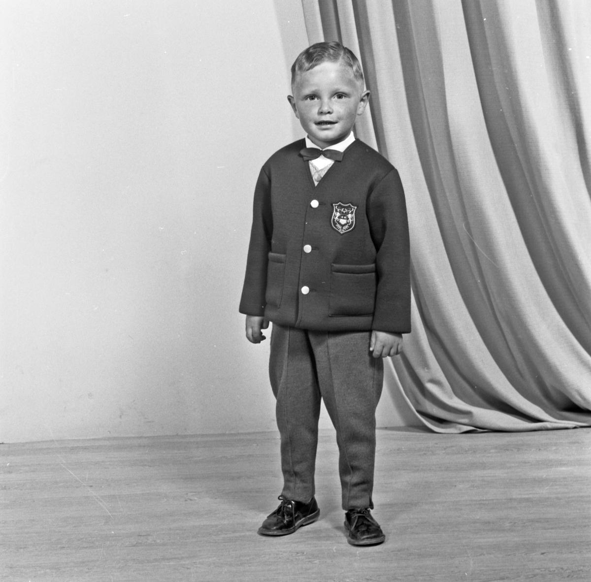 Portrett ung gutt - bestiller Aslaug Strandvik
