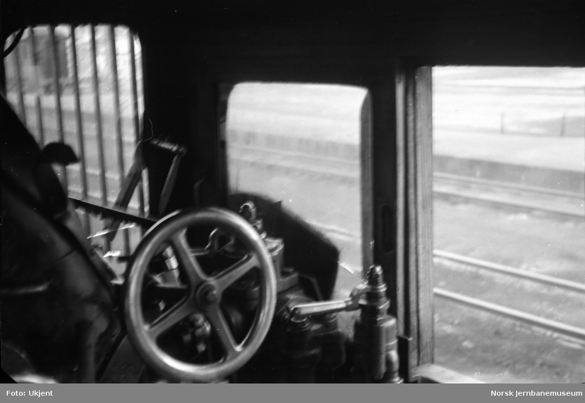 Damplokomotiv type 39a nr. 168 - fra førerhuset